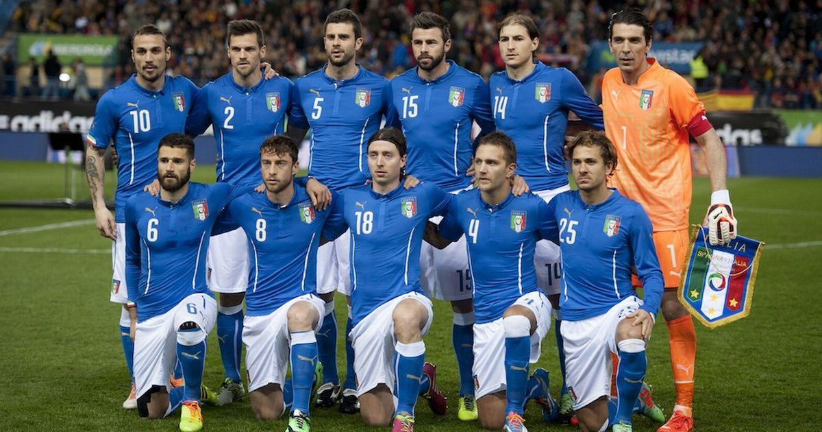 team photo for Itali